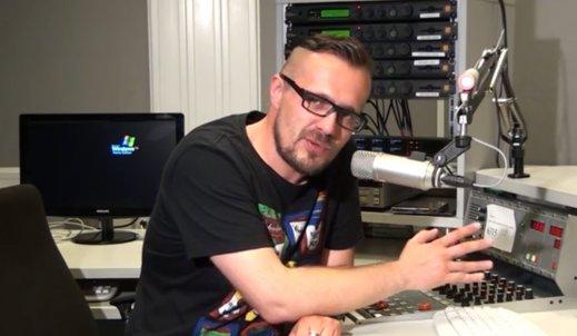 """Tomasz Buszewski z Radia Kraków o """"garażowej"""" muzyce w radiu"""