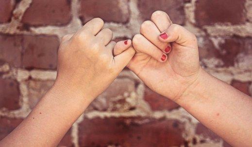 Kto przyjaźni się ze wszystkimi, nie przyjaźni się z nikim