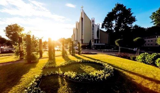 Film o ogrodzie biblijnym w Puławach