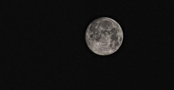 moon-416973_1280