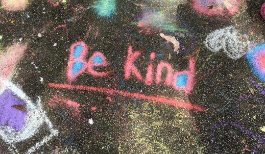 Bądź życzliwy, proszę