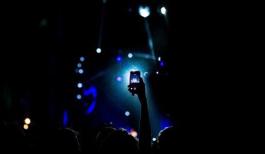 Nocne zdjęcia smartfonem. 4 rzeczy o których musisz pamiętać