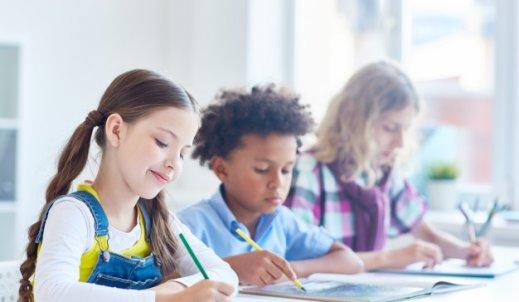 Szkoła językowa czy korepetycje? Odpowiadamy na pytanie
