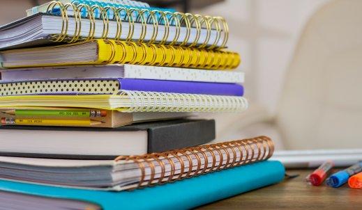 Zeszyt A4 – niezbędne wyposażenie licealisty i studenta