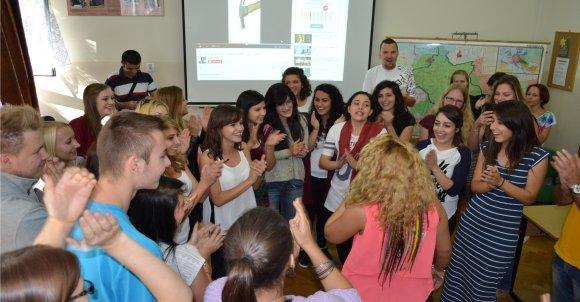 Goście uczyli nas popularnego tańca u nich w kraju.