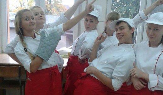 Jeden dzień z życia naszych uczniów na zajęciach praktycznych :) dziś kierunek Technik Żywienia