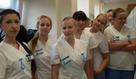 """,,Najlepszą drogą do odnalezienia siebie jest zagubienie się w służeniu innym"""" – wywiad ze studentką pielęgniarstwa"""