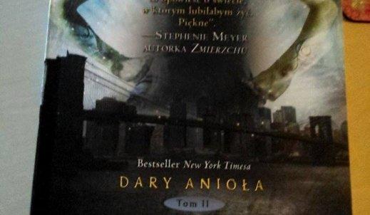 """""""Miasto Popiołów""""- drugi tom serii """"Dary Anioła"""""""