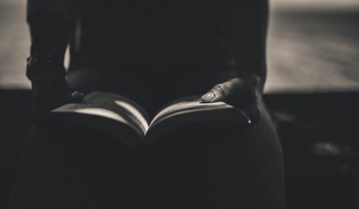 Książka – zdradzony przyjaciel