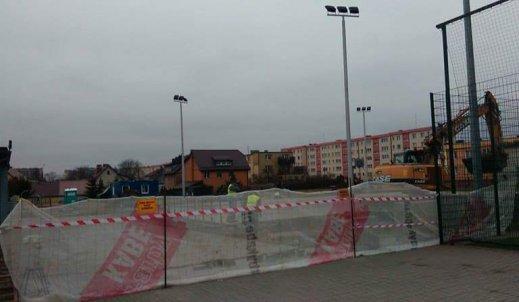 Zadaszenie lodowiska/boiska w naszej szkole!