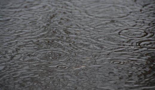 Dlaczego w czasie deszczu dzieci się nudzą?