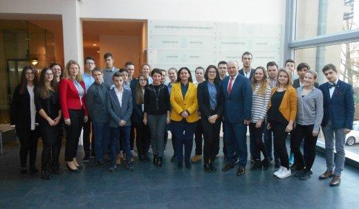 Młodzieżowa Rada z wizytą u Marszałka Województwa Opolskiego