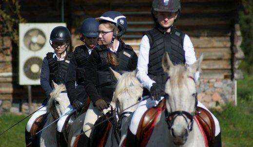 Tak wygląda majówka w towarzystwie koni!
