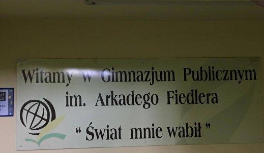 W jaki sposób nasza szkoła promuje Arkadego Fiedlera?