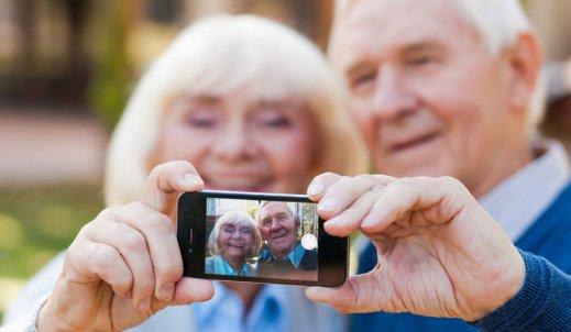 Starsi ludzie i nowoczesny świat