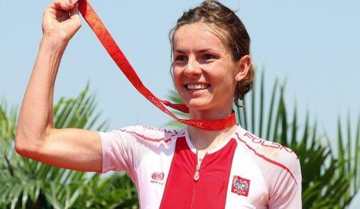 Maja Włoszczowska- osiąga szczyty w sportowej karierze, jeżdżąc na rowerze…
