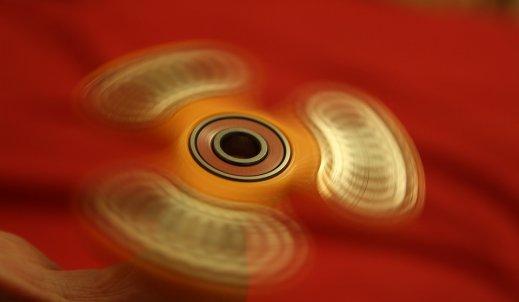Fidget spinner – najpopularniejsza zabawka XXI wieku