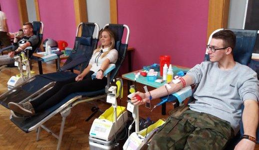 Pierwsza akcja krwiodawstwa z udziałem naszych uczniów za nami!