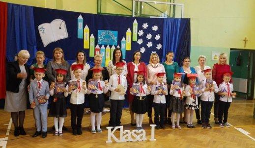 Pasowanie na Ucznia Szkoły Podstawowej w Olszycu Szlacheckim! Uroczysta chwila!!!