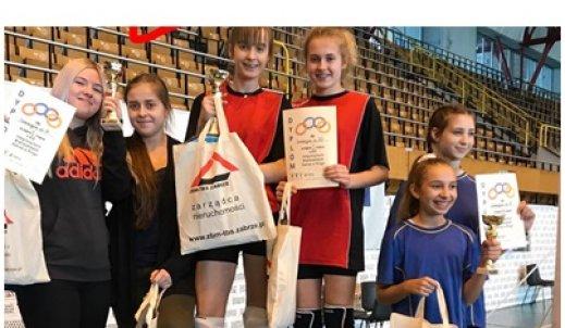 Wicemistrzostwo naszych gimnazjalistek w XIX Integracyjnych Mistrzostwach Zabrza w Ringo. BRAWO!!!