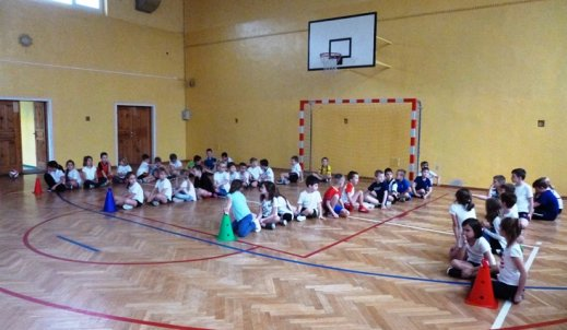 Świetlicowe zawody sportowe klas II, III i IV