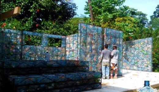 Domek z plastikowych butelek – zamieszkasz w nim w przyszłości?