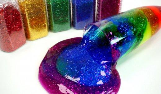 Slime – kolorowe gluty, które zainspirowały dzieciakom.