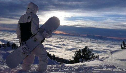 Snowboard, czy narty?