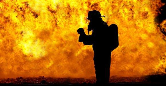 firefighter2098461_1280.jpg