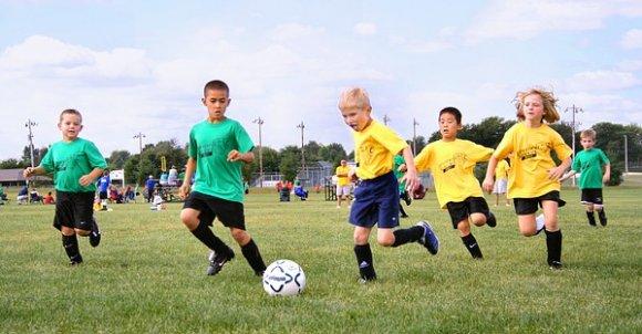 teamofyoungfootballers1493006__340.jpg