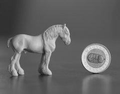 http://www.horseandbird.com/uploads/2/5/3/2/25323706/mg-7562_1_orig.jpg (Model Artist Resin, rzeźbiony przez Polkę- Annę Dobrowolską- Oczko, Cena takiego modelu to 30Euro)