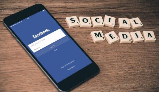 Facebook – przyjaciel czy wróg?