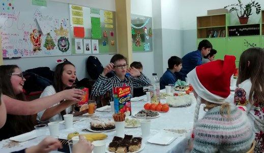 Przy świątecznym stole w kl. 6A