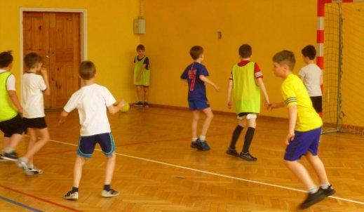 Świetlicowe mistrzostwa w piłce nożnej klas III