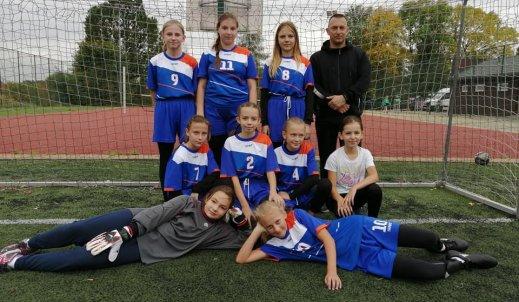 II miejsce w Powiatowych Igrzyskach Młodzieży Szkolnej SZS w piłce nożnej dziewcząt !!!