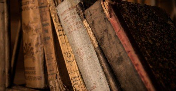 oldbooks436498_1280.jpg