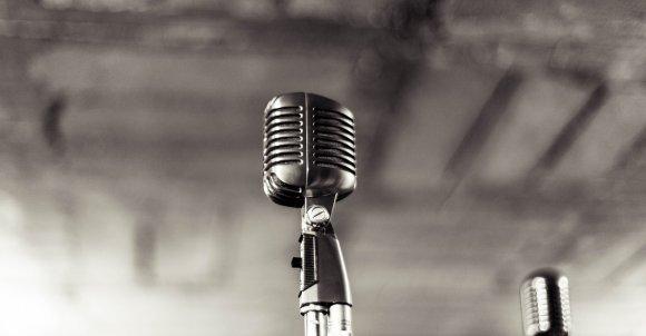 microphone933057_1280.jpg