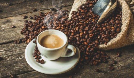 Fusy z kawy między zębami?